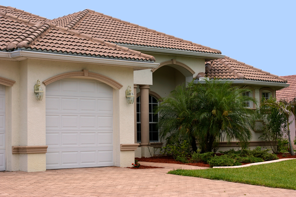 picture of ceramic tile roof on a house